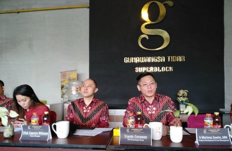 CEO Gunawangsa Group, Triandy Gunawan (kanan).