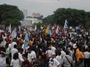 aksi demo depan istana