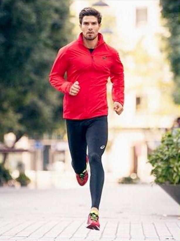 Mau Jogging Makin Pede Nih 5 Inspirasi Outfit Keren Umum