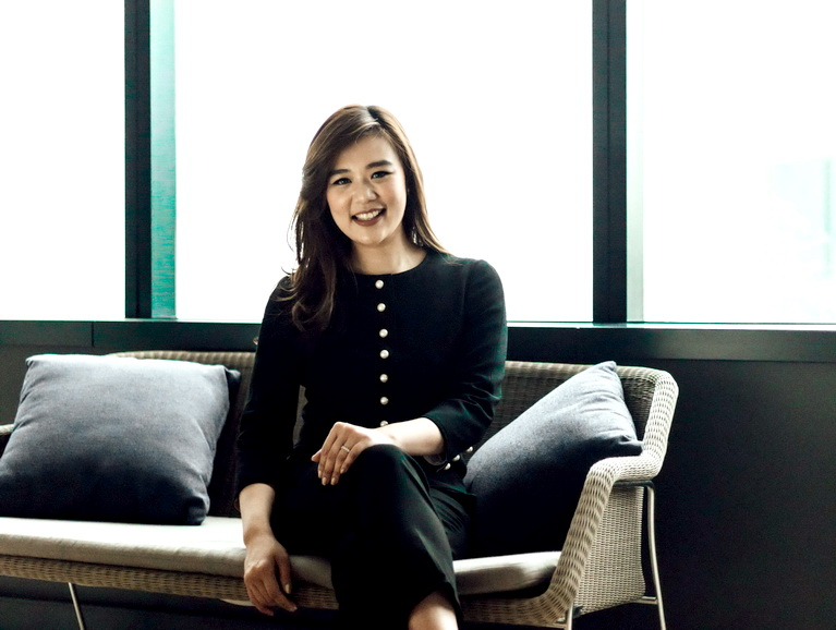 Direktur Penjualan Crown Group, Prisca Edwards.